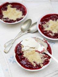 Gluten-free strawberry & raspberry crumble