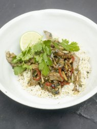 Sizzling beef with spring onions and black bean sauce