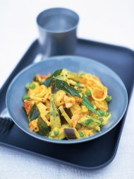 Southern Indian vegetable curry with curry leaves
