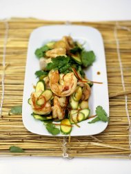 Stir-fried warm salad of prawns and baby courgettes