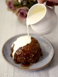 Maple syrup and pecan steamed puddings