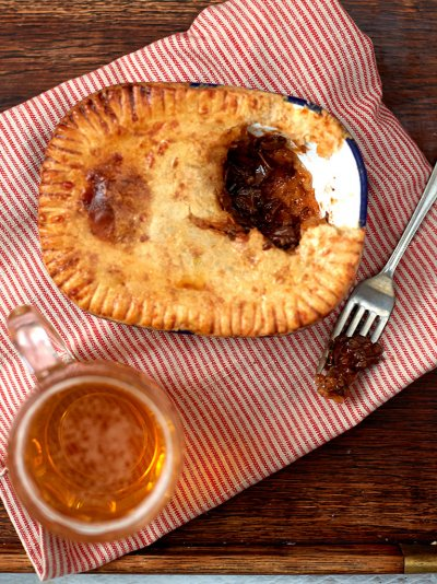 Aussie steak & ale pie