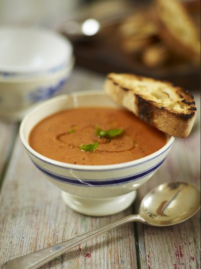 Roast tomato and bread soup