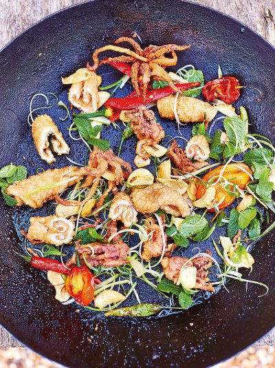 Jamies comfort food recipes jamie oliver salt pepper squid forumfinder Images