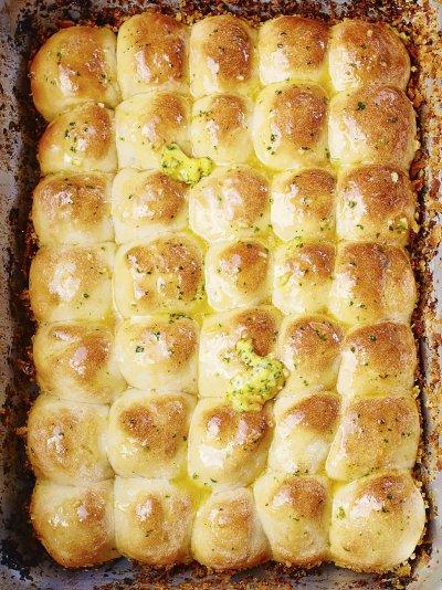 Jamies comfort food recipes jamie oliver tear n share garlic bread forumfinder Images