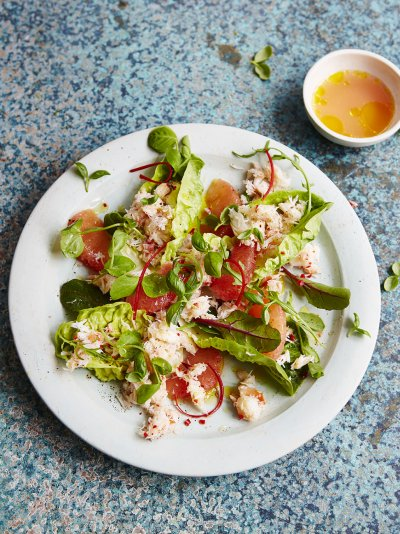 Crab, chilli and pink grapefruit salad