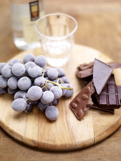 Frozen grapes, chocolate & grappa