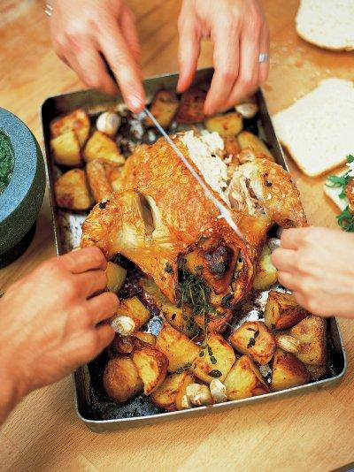 Jamie oliver roast chicken with lemon and rosemary roast potatoes forumfinder Choice Image