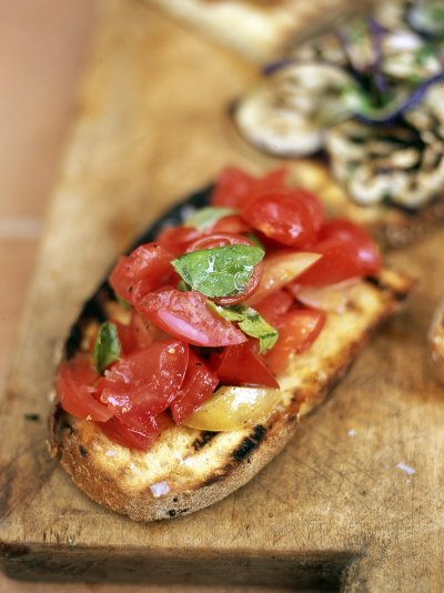 Jamies italy recipes jamie oliver bruschetta with tomato and basil forumfinder Image collections