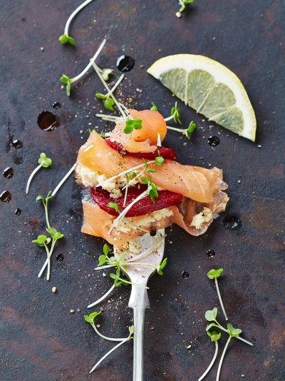 DIY party combos - smoked salmon with horseradish and beetroot