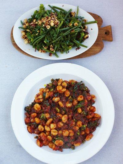 Jamies 15 minute meals recipes jamie oliver sausage gnocchi forumfinder Images