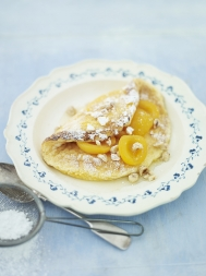 Souffle omelette with vanilla apricots