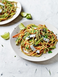 Veggie noodles with curried coconut sauce