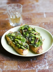 Broad bean & wild fennel bruschetta