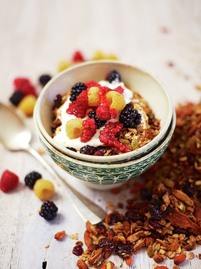 Super toasted granola with chewy fruit