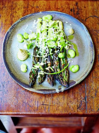 Asparagus with mushroom mayonnaise