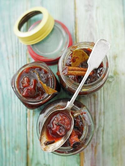 Homemade Christmas food gifts | Jamie Oliver recipes | Christmas ...