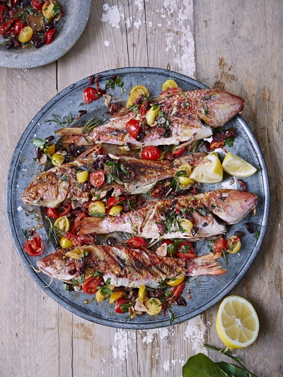 Barbecued red mullet with a hot salsa