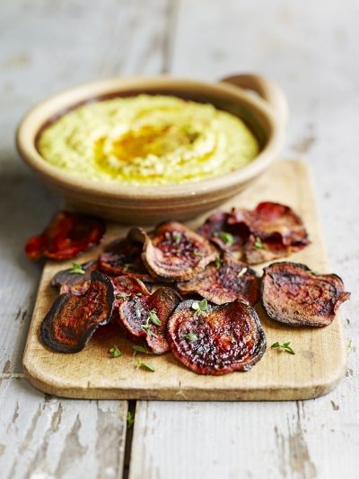 Beetroot crisps with coriander houmous