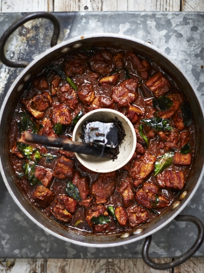 Kate Hudsons Hot Smoky Vindaloo Jamie Oliver Recipes