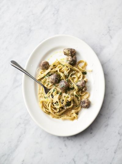 5 ingredients quick easy food recipes jamie oliver easy sausage carbonara forumfinder Image collections