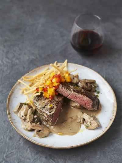 Dinner party recipes jamie oliver johnny vegas fillet steak flamb forumfinder Images