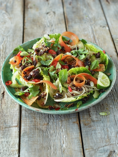 Spiced crispy beef salad with noodles & crunchy veg