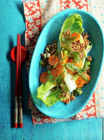 Crispy basil salad with pork & pickled carrots