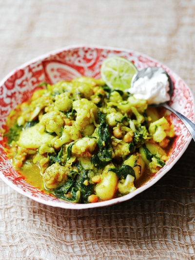 Curried cauli, potatoes, chickpeas & spinach